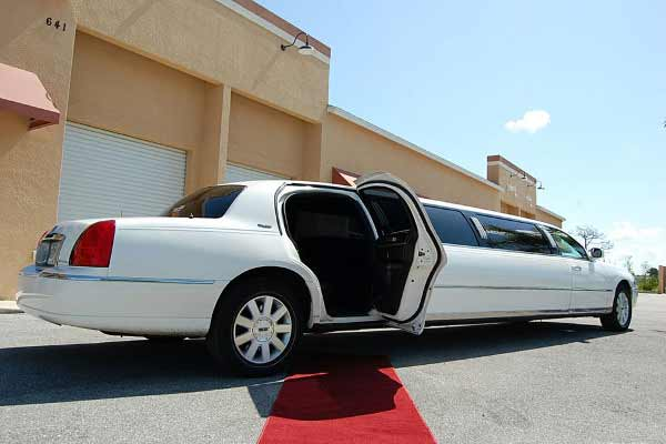 lincoln stretch limousine Candler McAfee