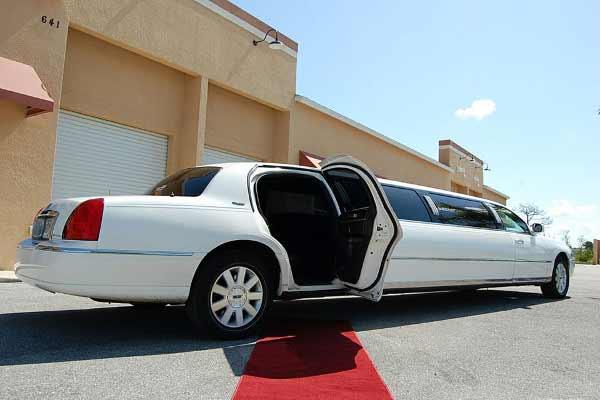 lincoln stretch limousine Conley